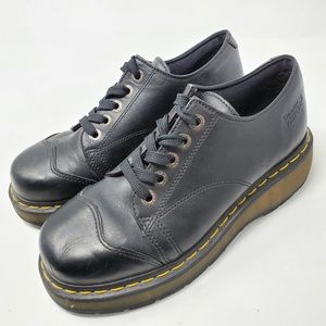 Dr Martens 8651 Black Leather Oxford 5-eye Lace Up